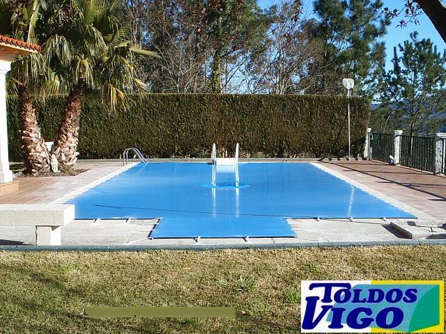 Lonas cubiertas y cobertores de piscina toldos vigo s l for Lona interior piscina desmontable